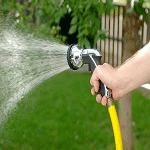 garden-hose-voi-tuoi-nuoc